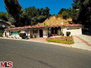 3511 Camino De La Cumbre, Sherman Oaks CA 91423