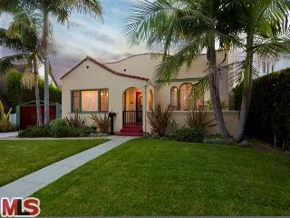 12 616747 Coolest House on Caravan! 2023 Selby Ave.   Westwood