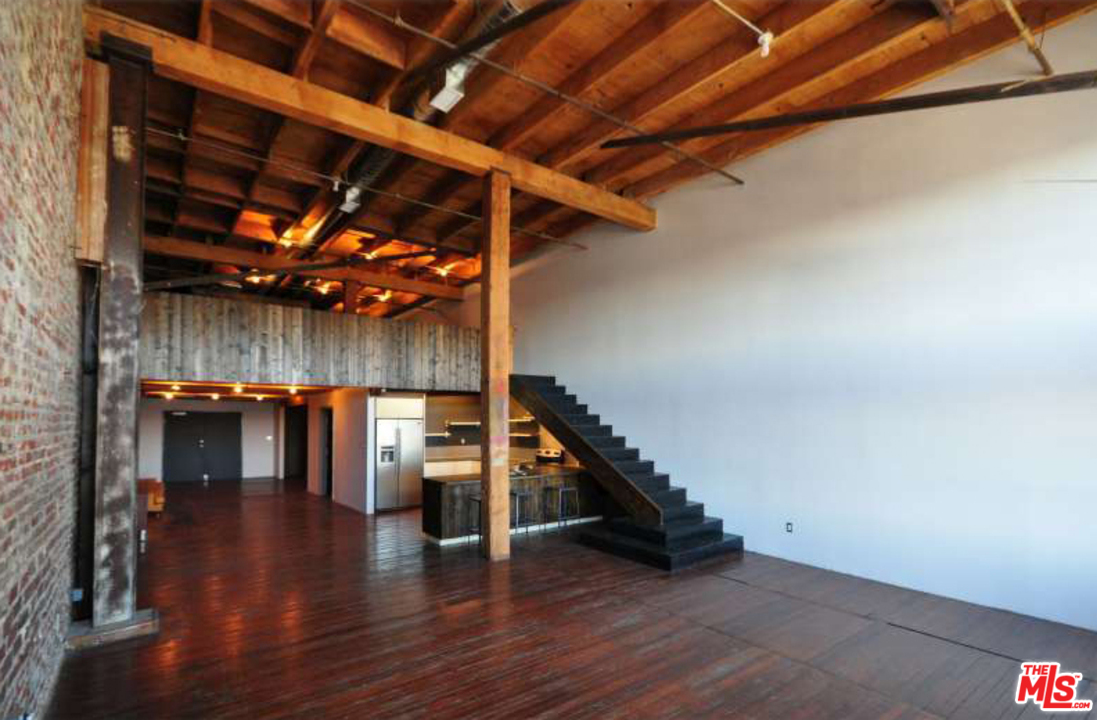 Live/Work Artist Lofts For Rent Call 888-838-2177 | Downtown