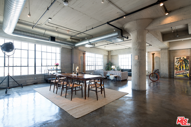 Highly Sought After Arts District Loft