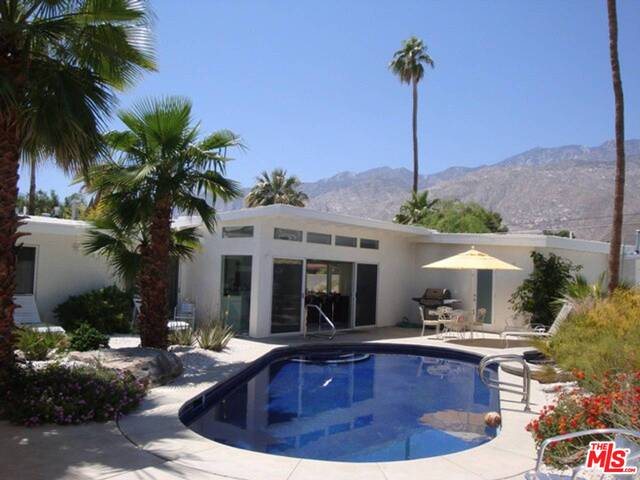 Photo of 2100 East Park Drive, Palm Springs, CA 92262