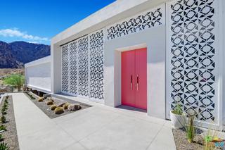 Photo of 884 South La Mirada Circle, Palm Springs, CA 92264
