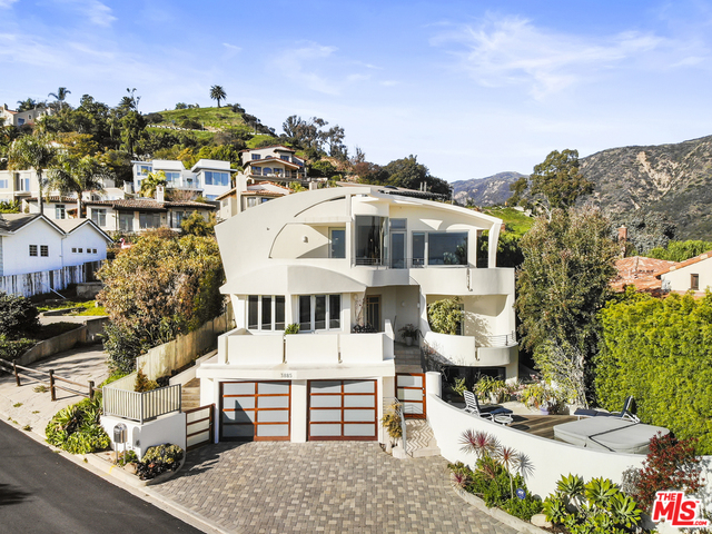 3885 RAMBLA ORIENTA, MALIBU, California 90265, 4 Bedrooms Bedrooms, ,3 BathroomsBathrooms,Residential,For Sale,RAMBLA ORIENTA,19-435996