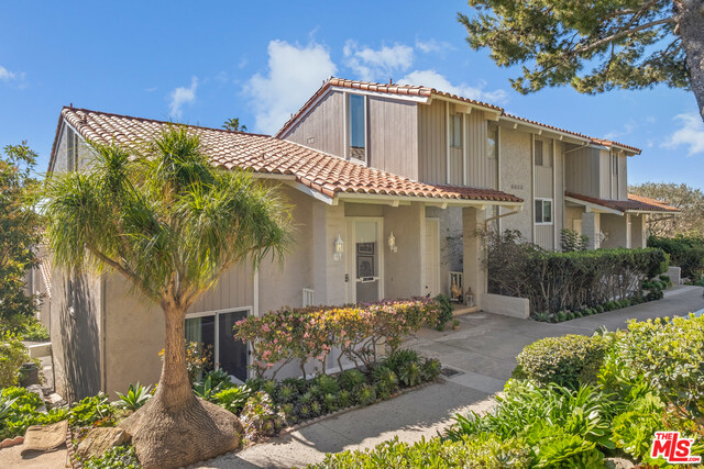 28386 REY DE COPAS LN, MALIBU, California 90265, 2 Bedrooms Bedrooms, ,3 BathroomsBathrooms,Residential,For Sale,REY DE COPAS,19-436864