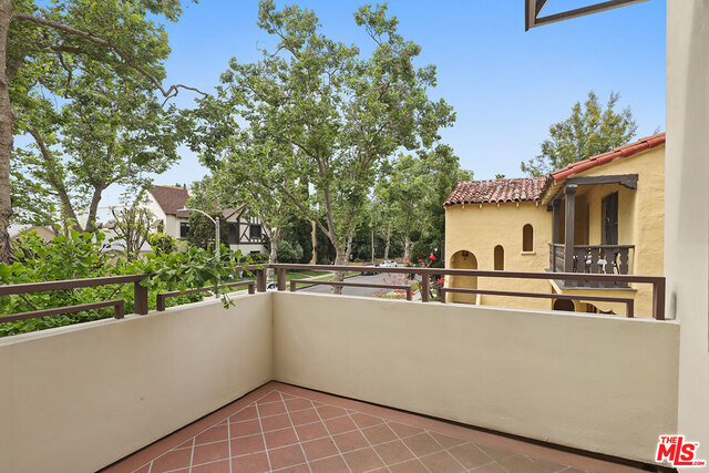 Photo of 130 N SWALL DR #201, BEVERLY HILLS, CA 90211