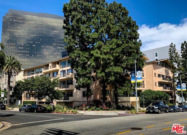 1154 S Barrington Ave, Los Angeles, California
