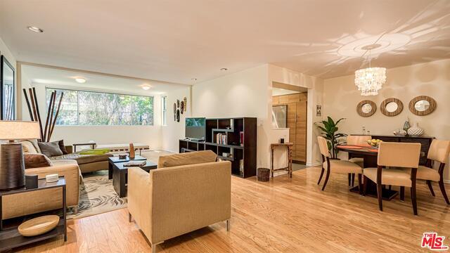 289 S Barrington Ave, Los Angeles, California