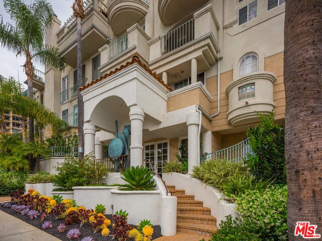 962 N Doheny Dr, West Hollywood, California