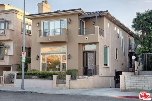 1946 S Barrington Ave, Los Angeles, California