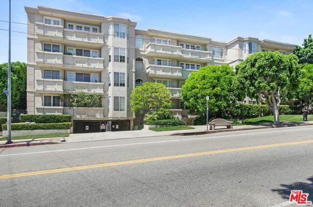 575 S Barrington Ave, Los Angeles, California