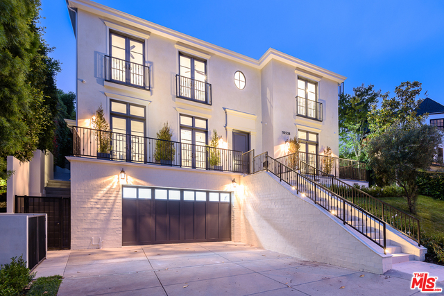 10538 Strathmore Dr, Los Angeles, California