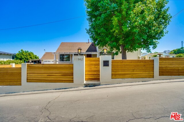 11942 Charnock Rd, Los Angeles, California