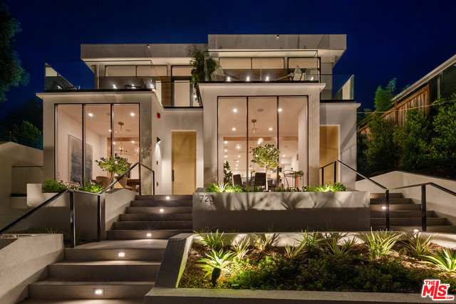 723 Pier Ave, Santa Monica, California