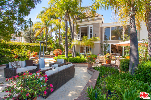2200 Canyonback Rd, Los Angeles, California