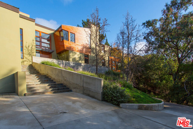 2244 Mandeville Canyon Rd, Los Angeles, California