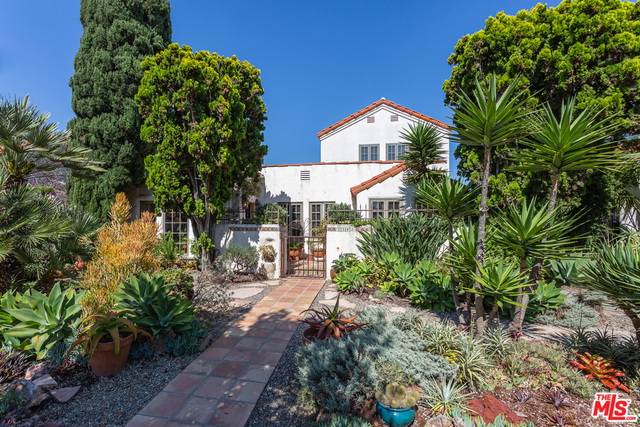 2245 Cloverfield Blvd, Santa Monica, California