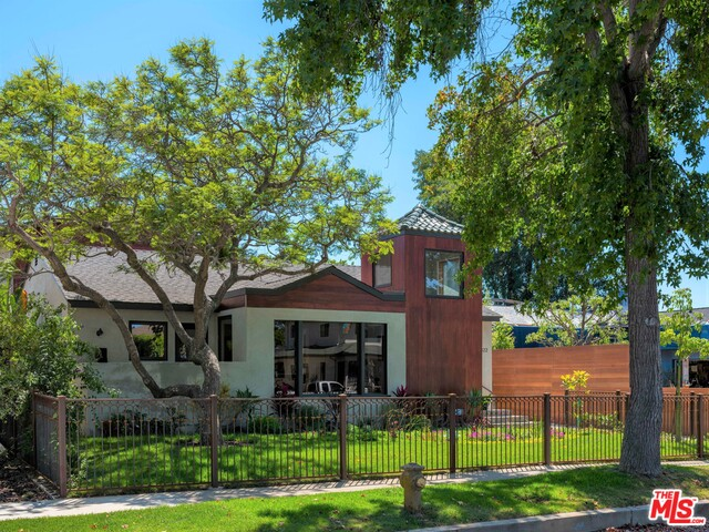 12822 Stanwood Dr, Los Angeles, California