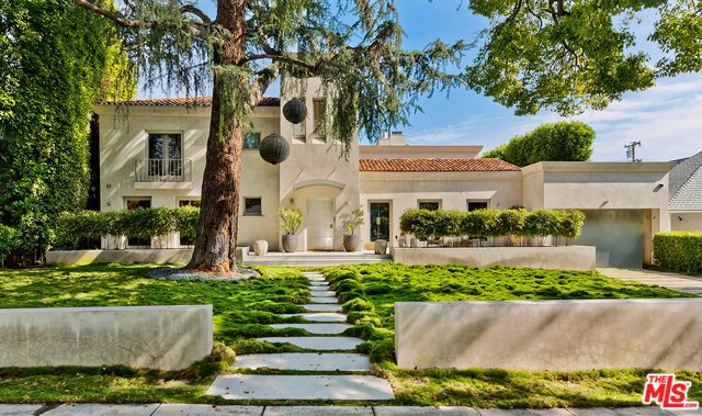 Photo of 610 N MAPLE DR, BEVERLY HILLS, CA 90210