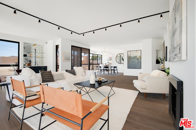 Photo of 318 N MAPLE DR #408, BEVERLY HILLS, CA 90210