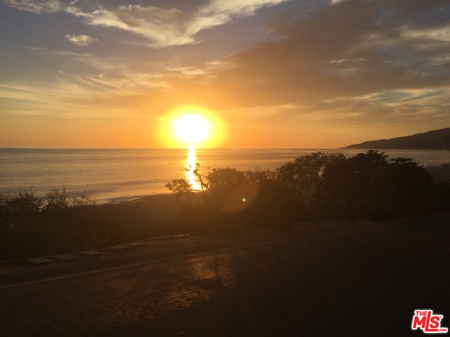 29458 BLUEWATER RD, MALIBU, California 90265, 5 Bedrooms Bedrooms, ,6 BathroomsBathrooms,Residential,For Sale,BLUEWATER,18-368096