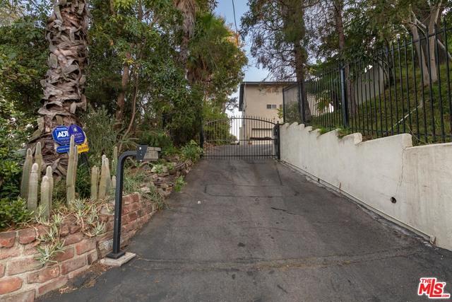 Photo of 7712 Woodrow Wilson Drive, Los Angeles, CA 90046