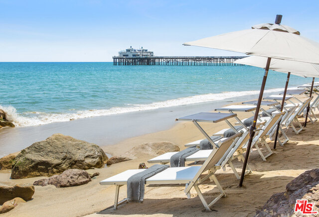 23924 DE VILLE WAY, MALIBU, California 90265, 1 Bedroom Bedrooms, ,2 BathroomsBathrooms,Residential Lease,For Sale,DE VILLE,18-406590