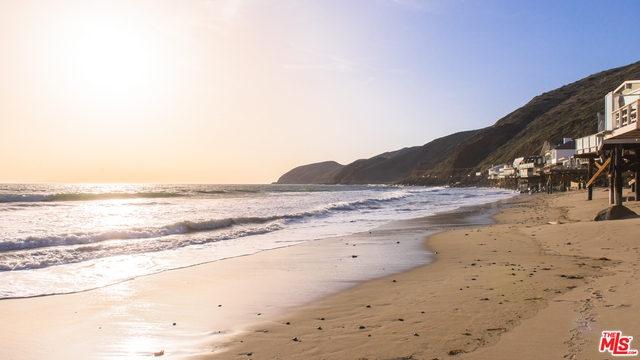 42560 PACIFIC COAST HWY, MALIBU, California 90265, 2 Bedrooms Bedrooms, ,2 BathroomsBathrooms,Residential Lease,For Sale,PACIFIC COAST,18-408810