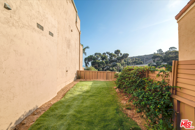 23924 DE VILLE WAY, MALIBU, California 90265, 1 Bedroom Bedrooms, ,2 BathroomsBathrooms,Residential,For Sale,DE VILLE,18-416498