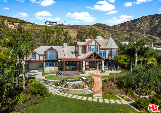 32026 PACIFIC COAST HIGHWAY, MALIBU, California 90265, 4 Bedrooms Bedrooms, ,4 BathroomsBathrooms,Residential Lease,For Sale,PACIFIC COAST HIGHWAY,19-424008