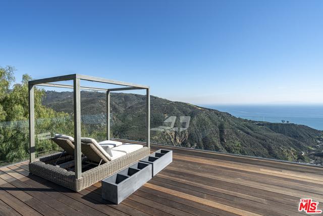 21766 AZURELEE DR, MALIBU, California 90265, 5 Bedrooms Bedrooms, ,5 BathroomsBathrooms,Residential,For Sale,AZURELEE,19-435426