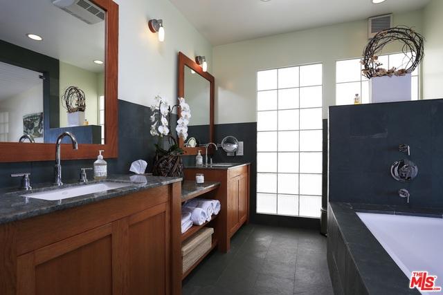 27036 MALIBU COVE COLONY DR, MALIBU, California 90265, 2 Bedrooms Bedrooms, ,2 BathroomsBathrooms,Residential Lease,For Sale,MALIBU COVE COLONY,19-435574