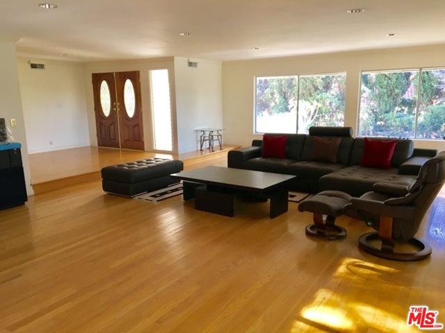 Photo of 2109 N HOBART, LOS ANGELES, CA 90027