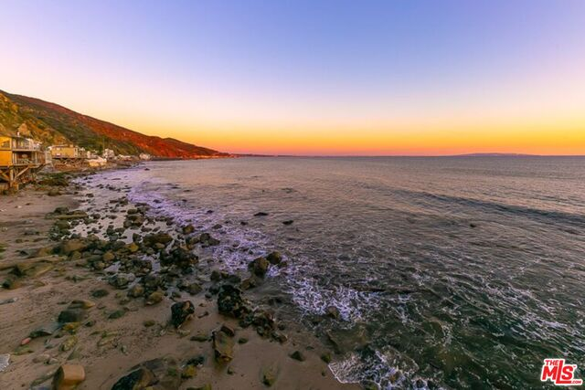 19846 PACIFIC COAST HWY, MALIBU, California 90265, 1 Bedroom Bedrooms, ,2 BathroomsBathrooms,Residential Lease,For Sale,PACIFIC COAST,19-447068