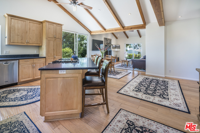 33467 MULHOLLAND HWY, MALIBU, California 90265, 3 Bedrooms Bedrooms, ,3 BathroomsBathrooms,Residential,For Sale,MULHOLLAND,19-459650