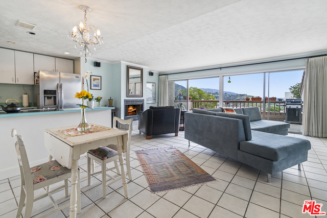 23910 DE VILLE WAY, MALIBU, California 90265, 2 Bedrooms Bedrooms, ,2 BathroomsBathrooms,Residential,For Sale,DE VILLE,19-460718