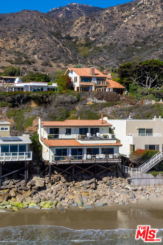 31952 PACIFIC COAST HWY, MALIBU, California 90265, 4 Bedrooms Bedrooms, ,3 BathroomsBathrooms,Residential,For Sale,PACIFIC COAST,19-465184