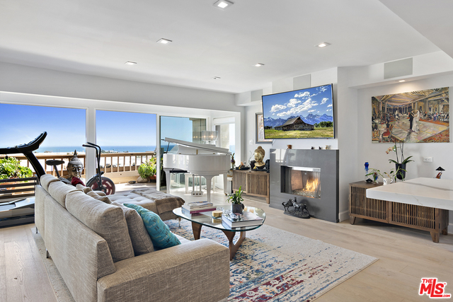 23910 DE VILLE WAY, MALIBU, California 90265, 2 Bedrooms Bedrooms, ,2 BathroomsBathrooms,Residential Lease,For Sale,DE VILLE,19-472322
