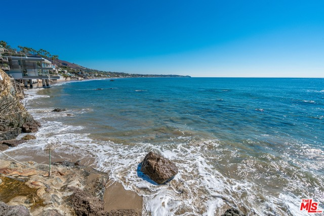 31532 VICTORIA POINT RD, MALIBU, California 90265, 4 Bedrooms Bedrooms, ,5 BathroomsBathrooms,Residential Lease,For Sale,VICTORIA POINT,19-473436