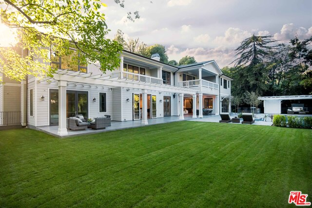 Photo of 1000 N Norman Place, Los Angeles, CA 90049