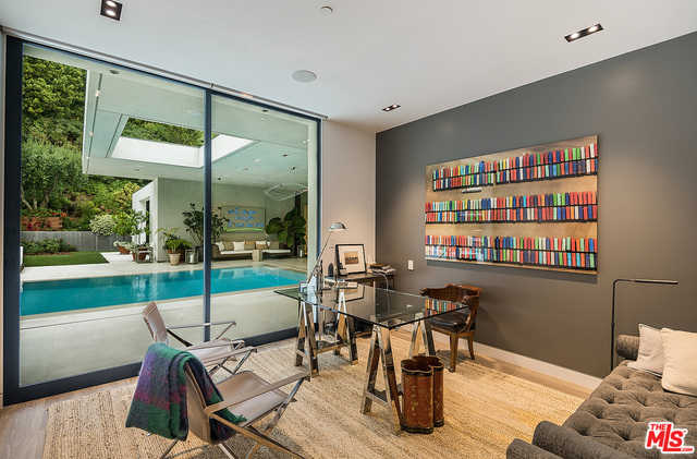 1012 N Hillcrest Rd Beverly Hills, CA 90210