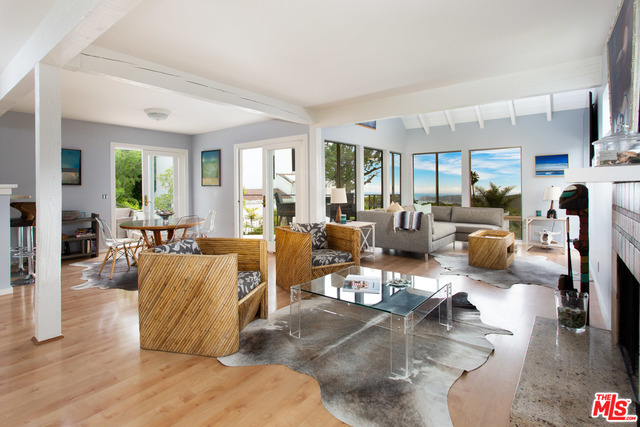 2942 VALMERE DR, MALIBU, California 90265, 3 Bedrooms Bedrooms, ,2 BathroomsBathrooms,Residential,For Sale,VALMERE,19-485580