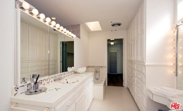 23762 MALIBU RD, MALIBU, California 90265, 5 Bedrooms Bedrooms, ,5 BathroomsBathrooms,Residential Lease,For Sale,MALIBU,19-487560