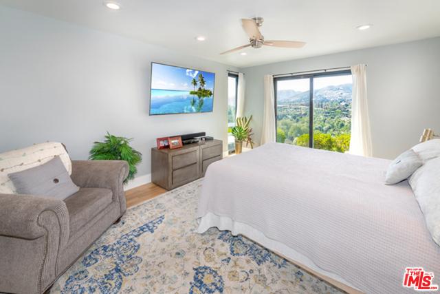 29500 HEATHERCLIFF RD, MALIBU, California 90265, 3 Bedrooms Bedrooms, ,4 BathroomsBathrooms,Manufactured In Park,For Sale,HEATHERCLIFF,19-488102