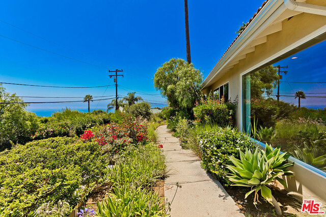 20415 LITTLE ROCK WAY, MALIBU, California 90265, 3 Bedrooms Bedrooms, ,2 BathroomsBathrooms,Residential Lease,For Sale,LITTLE ROCK,19-488128