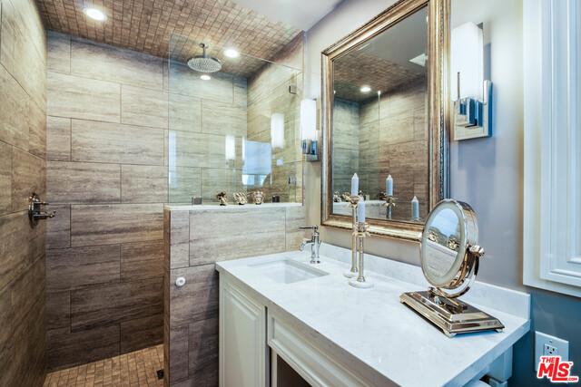 210 LORINE LN, MALIBU, California 90265, 4 Bedrooms Bedrooms, ,4 BathroomsBathrooms,Residential,For Sale,LORINE,19-488808