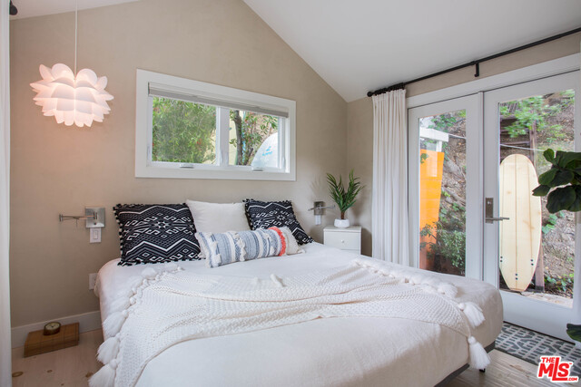 6 Paradise Cove RD, MALIBU, California 90265, 2 Bedrooms Bedrooms, ,2 BathroomsBathrooms,Manufactured In Park,For Sale,Paradise Cove,19-489134