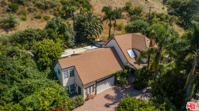 23233 MARIPOSA DE ORO ST, MALIBU, California 90265, 3 Bedrooms Bedrooms, ,3 BathroomsBathrooms,Residential,For Sale,MARIPOSA DE ORO,19-491476