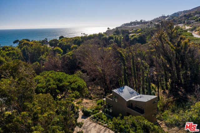 31894 SEA LEVEL DR, MALIBU, California 90265, 2 Bedrooms Bedrooms, ,2 BathroomsBathrooms,Residential,For Sale,SEA LEVEL,19-502826