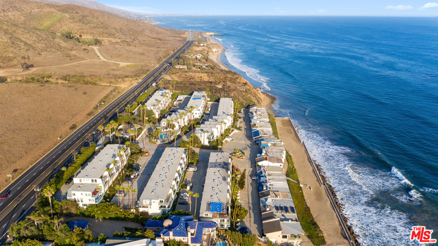 11918 WHITEWATER LN, MALIBU, California 90265, 2 Bedrooms Bedrooms, ,2 BathroomsBathrooms,Residential,For Sale,WHITEWATER,19-503230