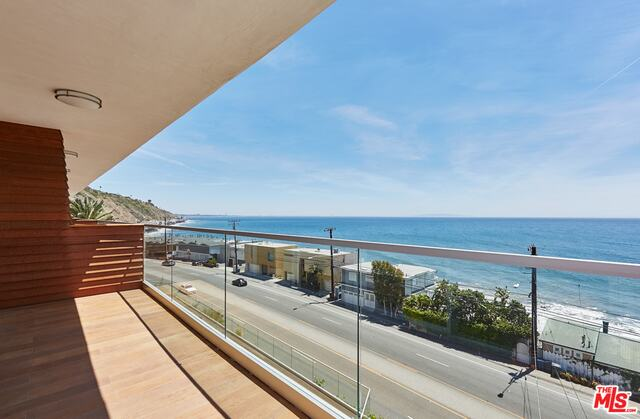 20747 PACIFIC COAST HWY, MALIBU, California 90265, 2 Bedrooms Bedrooms, ,1 BathroomBathrooms,Residential Lease,For Sale,PACIFIC COAST,19-503384
